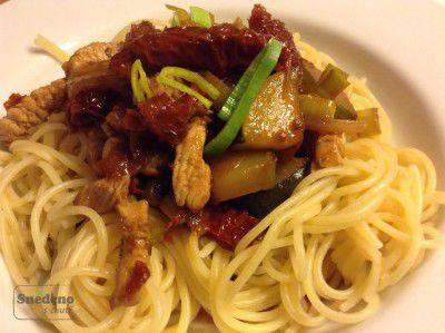 spagety-kruti-maso