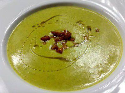 brokolicova-polevka-kurkuma