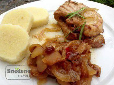 vepr-platek-jablecne-catni-bramborovy-knedlik